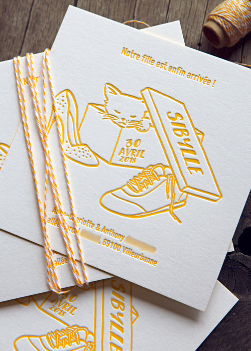Le faire-part dessiné de Sibylle / Illustrated announcement card printed in yellow / design and print by Cocorico Letterpress